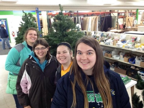 Lakeland students make impact through service and selfie