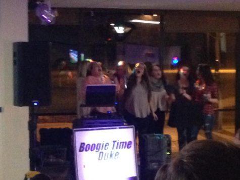 Gallery: Students wow at karaoke night