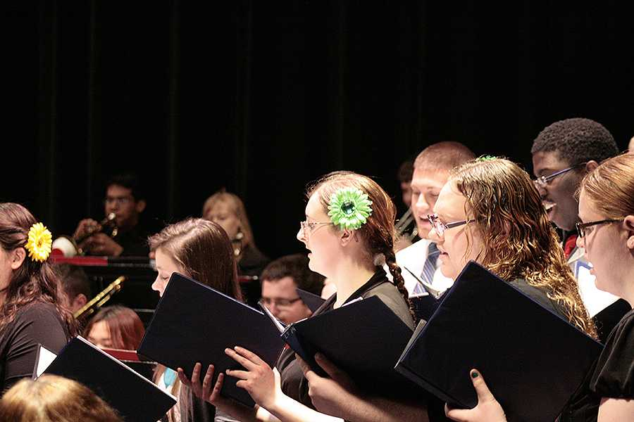 The Lakeland Singers join the Jazz Ensemble for their final song,