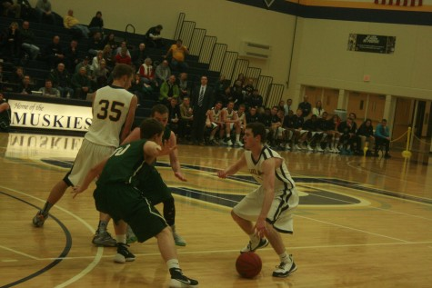 Muskie men fall to Wisconsin Lutheran