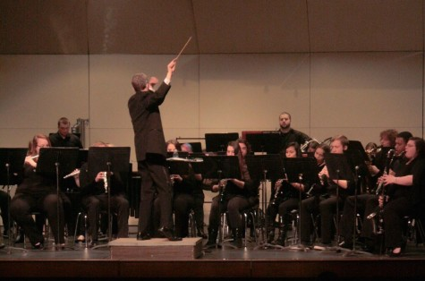Winter band concert flaunts world premiere, dissonance