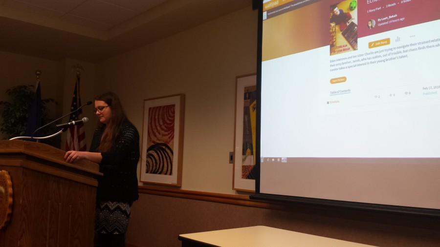 Leah Ulatowski shares honors project through reading
