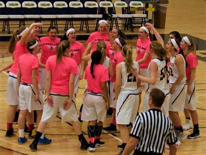 Women's basketball loses close game against Falcons