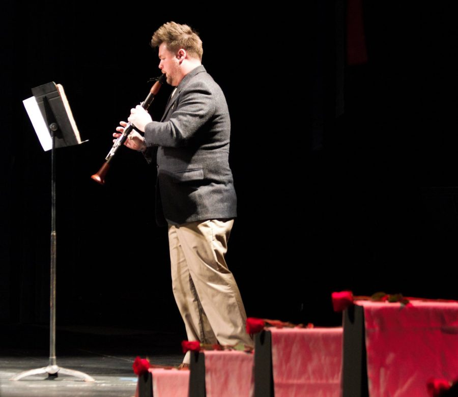 Jay+Burkard%2C+Werner%E2%80%99s+partner%2C+performs+a+clarinet+piece+in+Werner%E2%80%99s+memory.