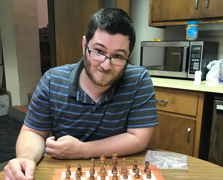 Kellner takes chess to Esch