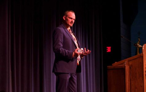 Lt. Tim McMillan visits Lakeland for Constitution Day